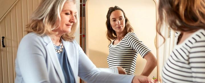 Gewichtsconsulent CIVAS in gesprek met cliënt na afronding van de opleiding Gewichtsconsulent