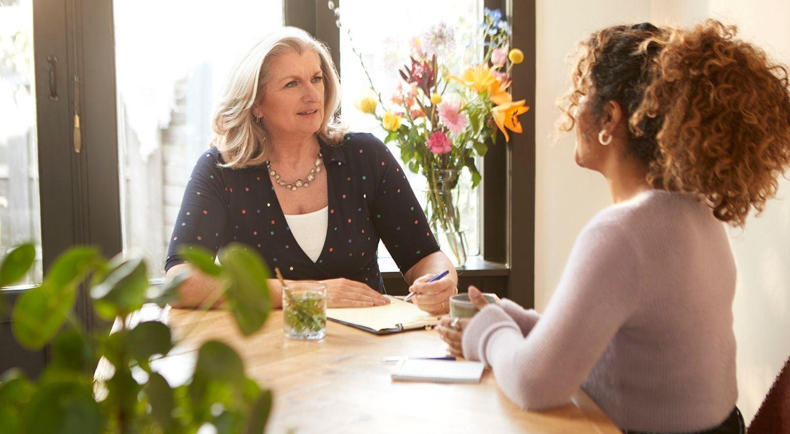Therapeut leert in de opleiding Oplossingsgerichte therapie deze effectieve behandelmethode toe te passen